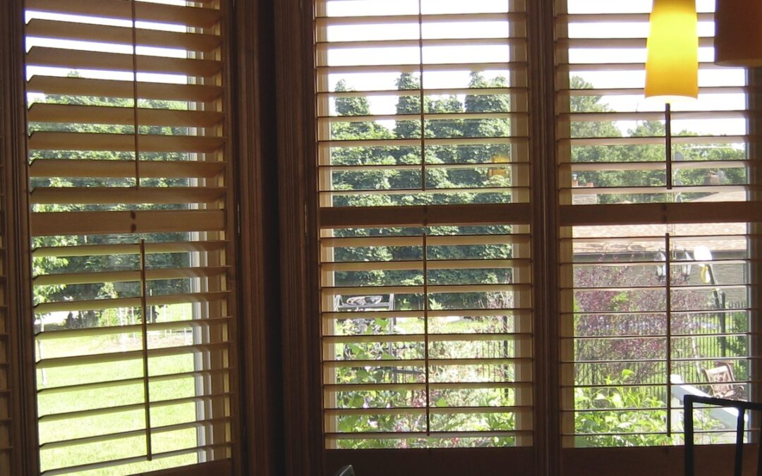 Shutters or Blinds – Which is Better for Keeping Out the Heat?